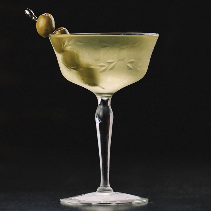 dirty-martini-Hard-Day-Here-Are-5-of-the-best-Martini-Recipes