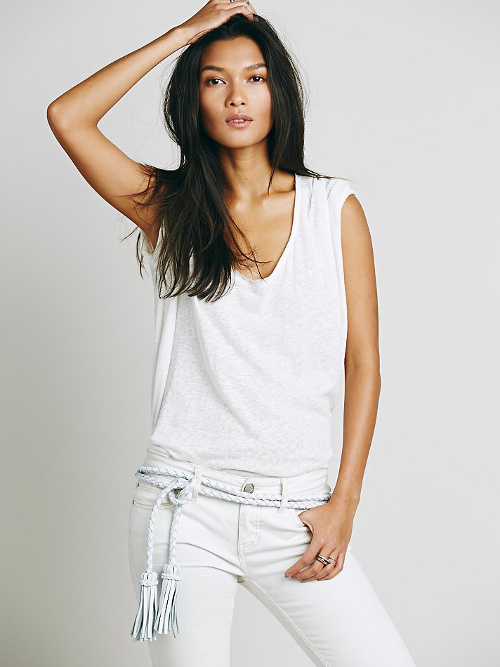 fringe-soga-skinny-belt-what-to-wear-with-a-white-bottom-jeans-pants