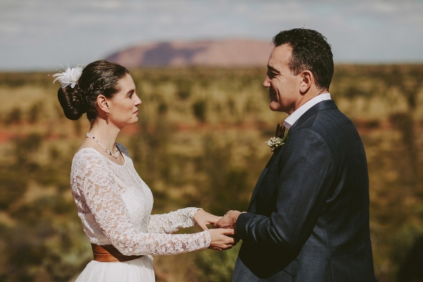 97868-camilla-charls-country-outback-elopement-by-ben-adams-600x400