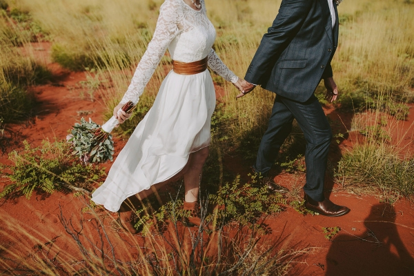 97901-camilla-charls-country-outback-elopement-by-ben-adams-600x400