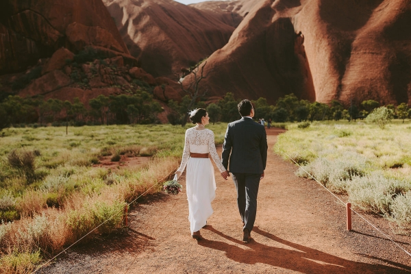 97907-camilla-charls-country-outback-elopement-by-ben-adams-600x400