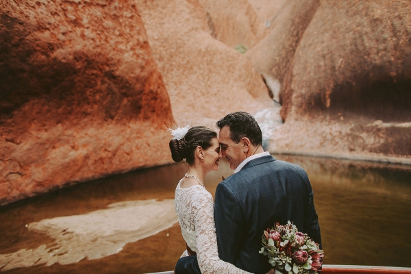 97916-camilla-charls-country-outback-elopement-by-ben-adams-600x400