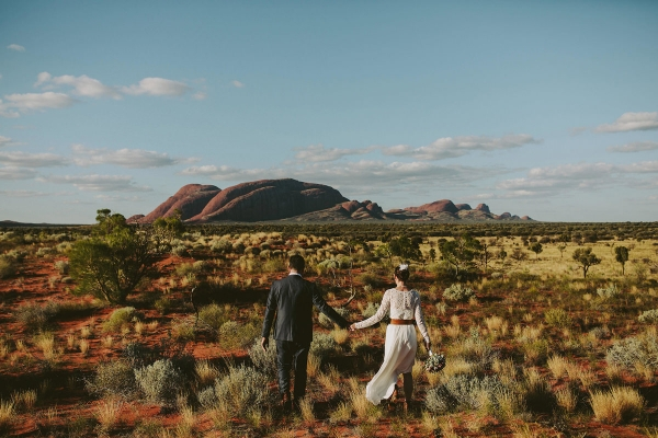 97924-camilla-charls-country-outback-elopement-by-ben-adams-600x400 (1)