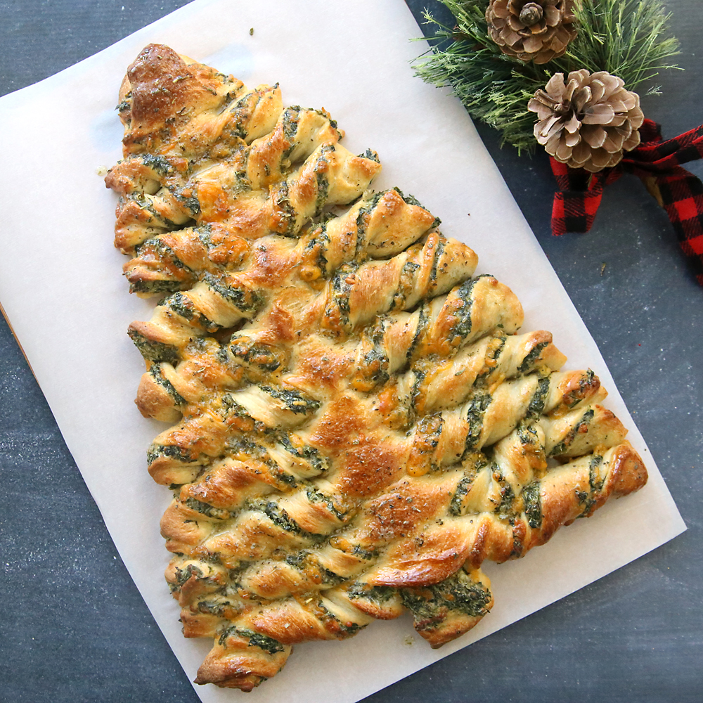 christmas-tree-breadsticks-spinach-dip-easy-holiday-appetizer-recipe-1